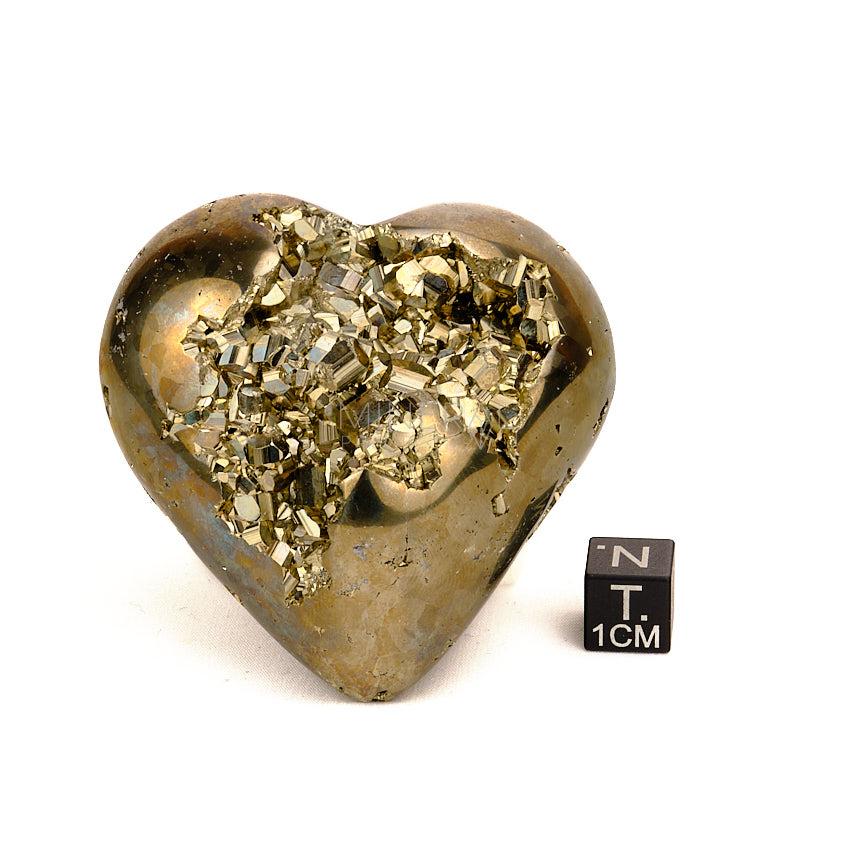 corazon de mineral de pirita decoración con minerales